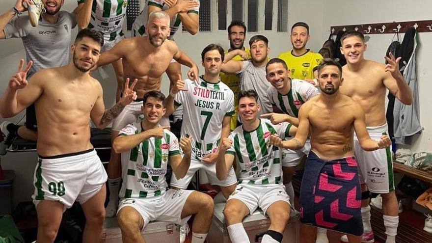 El Córdoba Futsal cumple su misión en Burela: goleada para crecer