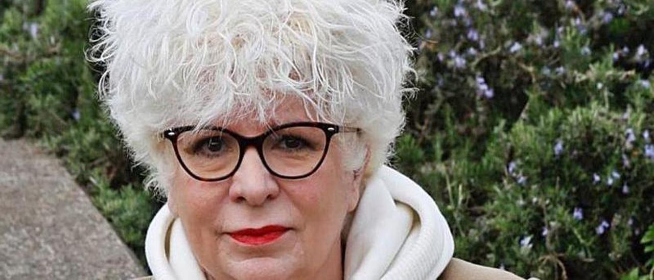 La traductora Mónica Rubio Fernández, en Villaviciosa.      ÁNGEL GONZÁLEZ