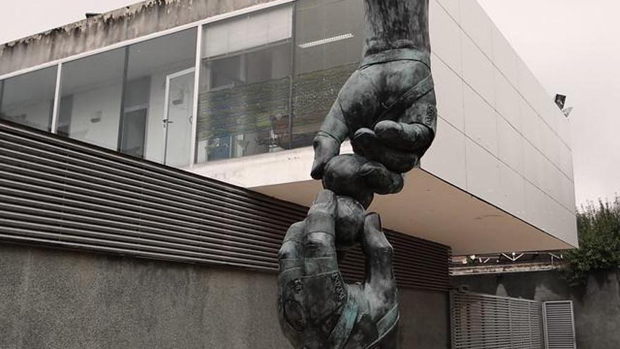 Nueva escultura para la Ruta de la Pilota y tributo a Paco Cabanes