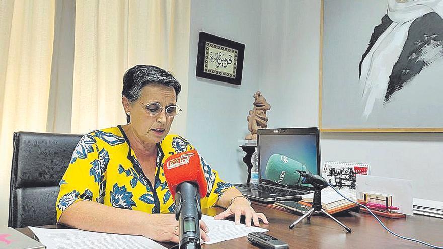 La alcaldesa de Aguilar exige disculpas a quienes la denunciaron por la cruz