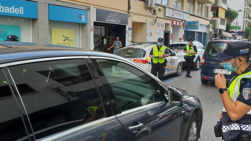 La Policía Local de Ibiza inicia el dispositivo de información y control en el Eixample