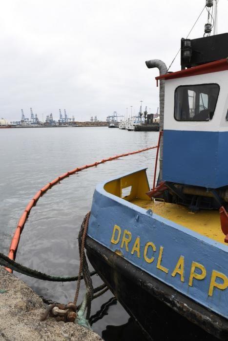 Vertido de 3.000 litros de residuos de combustibles en el Puerto de La Luz