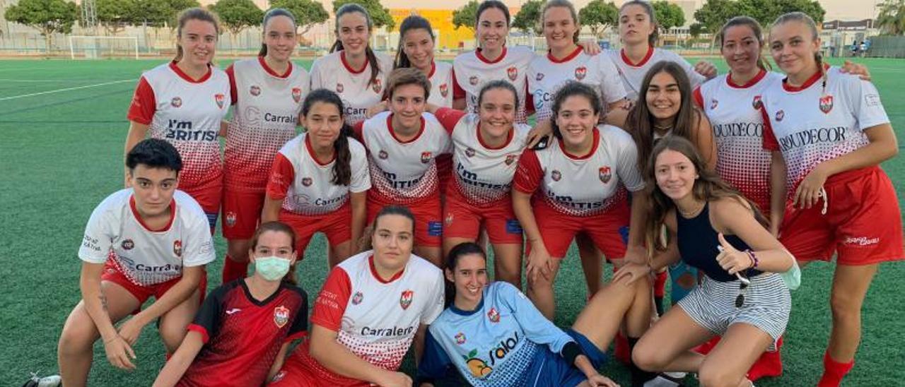 Integrantes del Ciutat de Xàtiva femenino.   LEVANTE-EMV