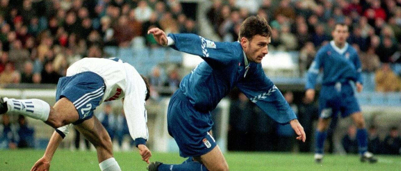 Paulo Bento, en un Oviedo-Zaragoza de los noventa