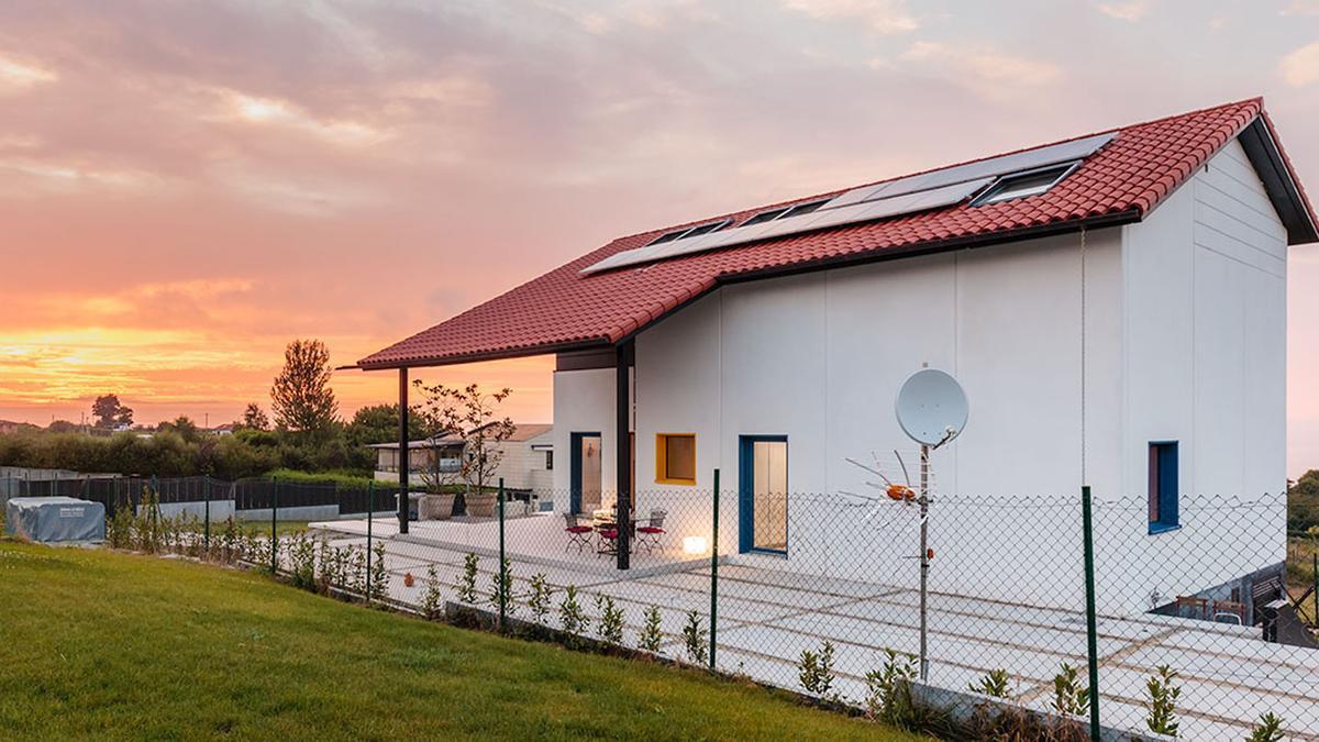 Casa Queta está ubicada en la costa del mar Cantábrico, Asturias.