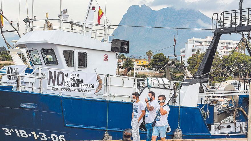 La flota pesquera valenciana asegura que reducir un 7,5 % las capturas aboca a su cierre