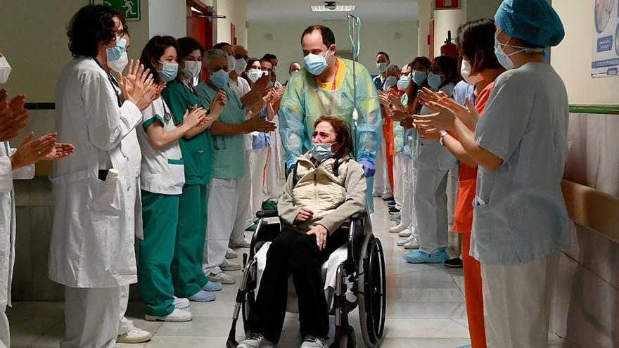 """Una gijonesa vuelve a casa tras 315 días en el hospital: """"Me he perdido parte de la vida por el coronavirus, por favor, tened cuidado"""""""