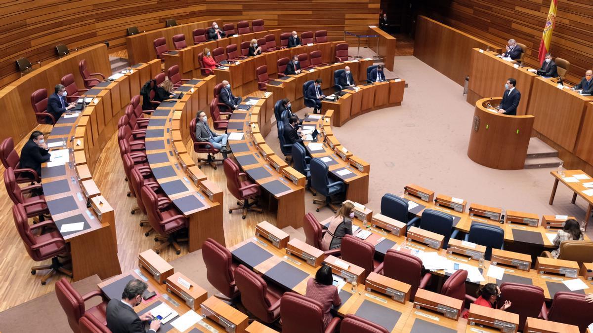 Pleno de las Cortes de Castilla y León en el que se debatieron los presupuestos del año pasado.