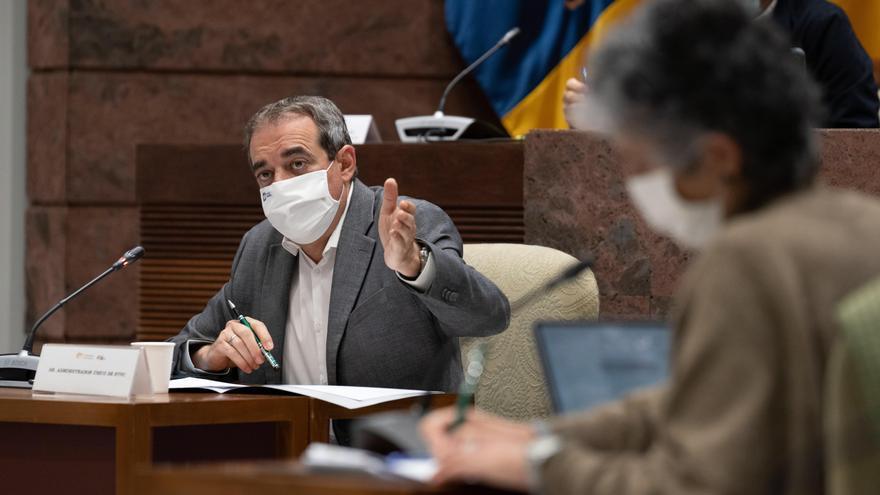 """Moreno a Espino: """"no me insulta a mí, desprecia a cientos de profesionales que cada día hacen los informativos más vistos de Canarias"""""""
