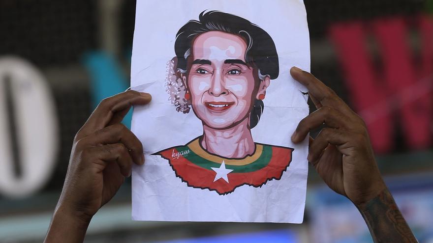 Un tribunal birmano presenta una nueva acusación contra Aung San Suu Kyi
