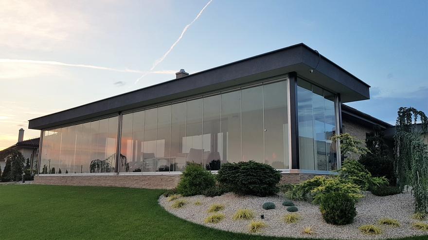 Cerramientos de cristal Seeglass: amplía espacio sin límites y gana en eficiencia energética
