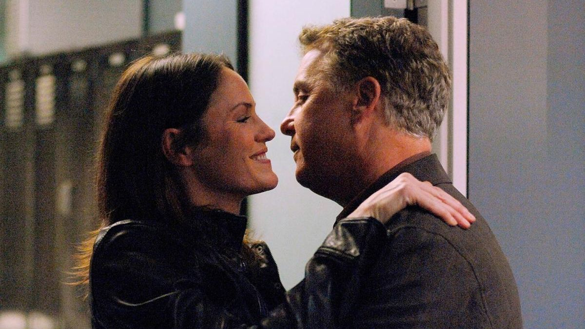 William Petersen y Jorja Fox como Grissom y Sara.