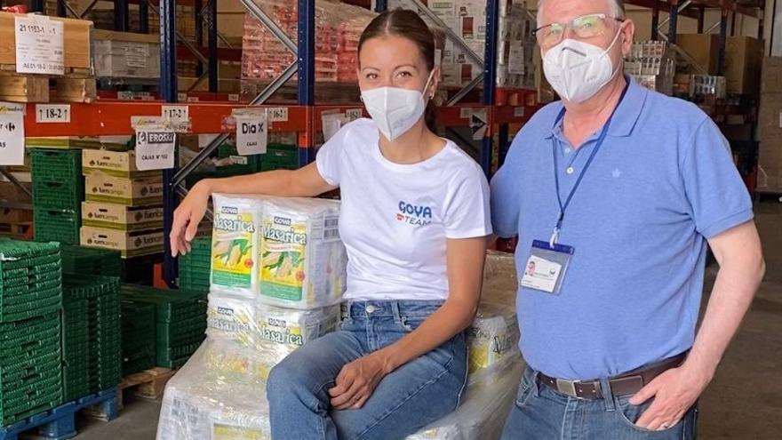 Macías dona 2.086 kilos al Banco de Alimentos