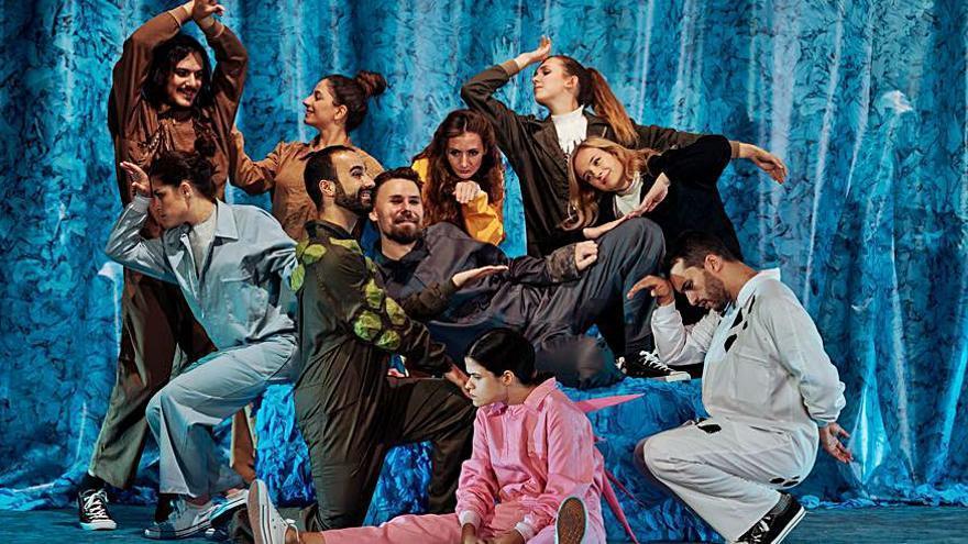 Escena Erasmus actúa  en Algar dentro de su  gira por 15 ciudades