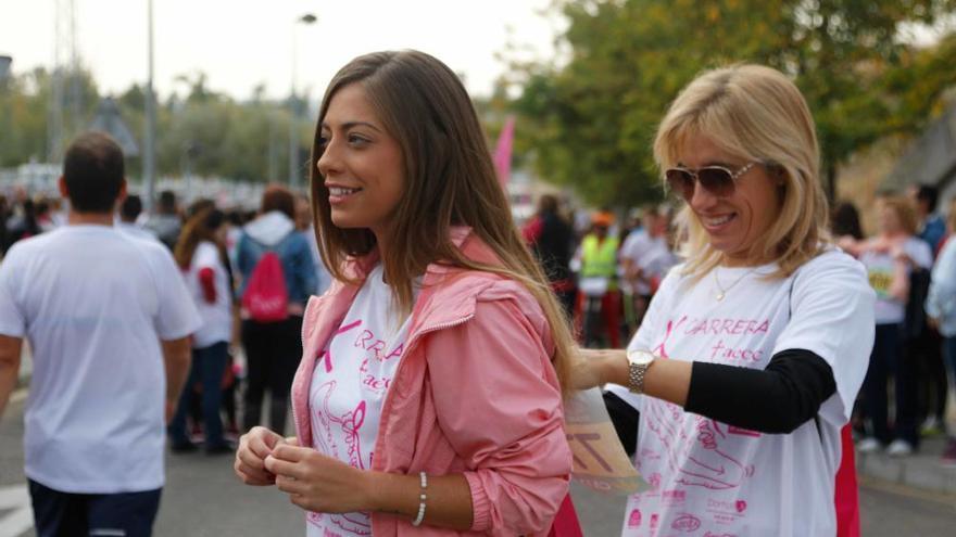 10.000 zamoranos se tiñen de rosa contra el cáncer de mama