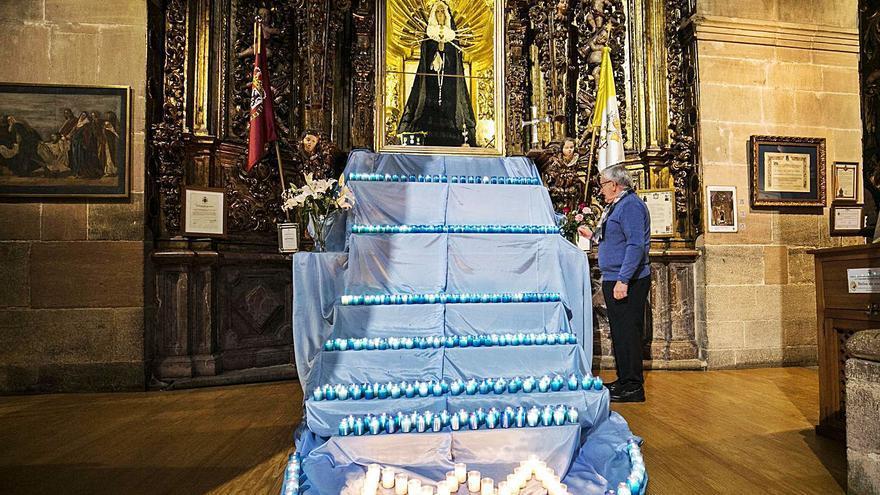 San Isidoro enciende un manto de velas para pedir el fin de la pandemia