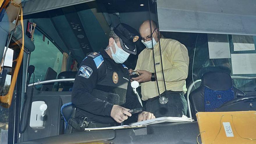 Las policías locales se suman a la DGT en la vigilancia del transporte escolar