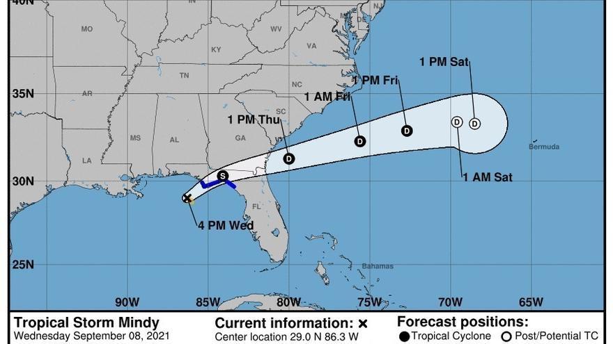 El huracán Larry baja a categoría 1 y Mindy se aleja de la costa estadounidense