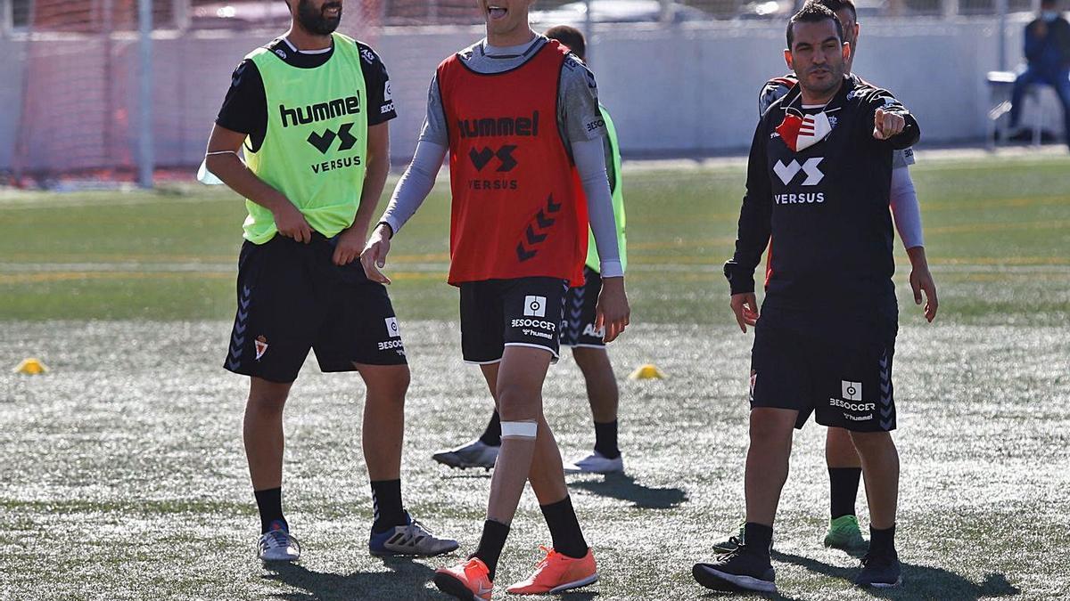 Adrián Hernández y Edu Luna en un entrenamiento en la UMU.