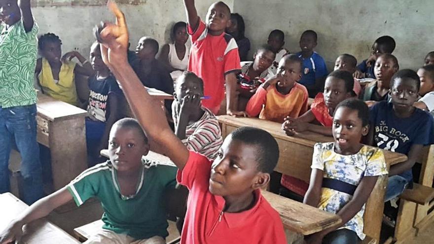 Ape Grupo regala cerámica para proyectos solidarios en Camerún