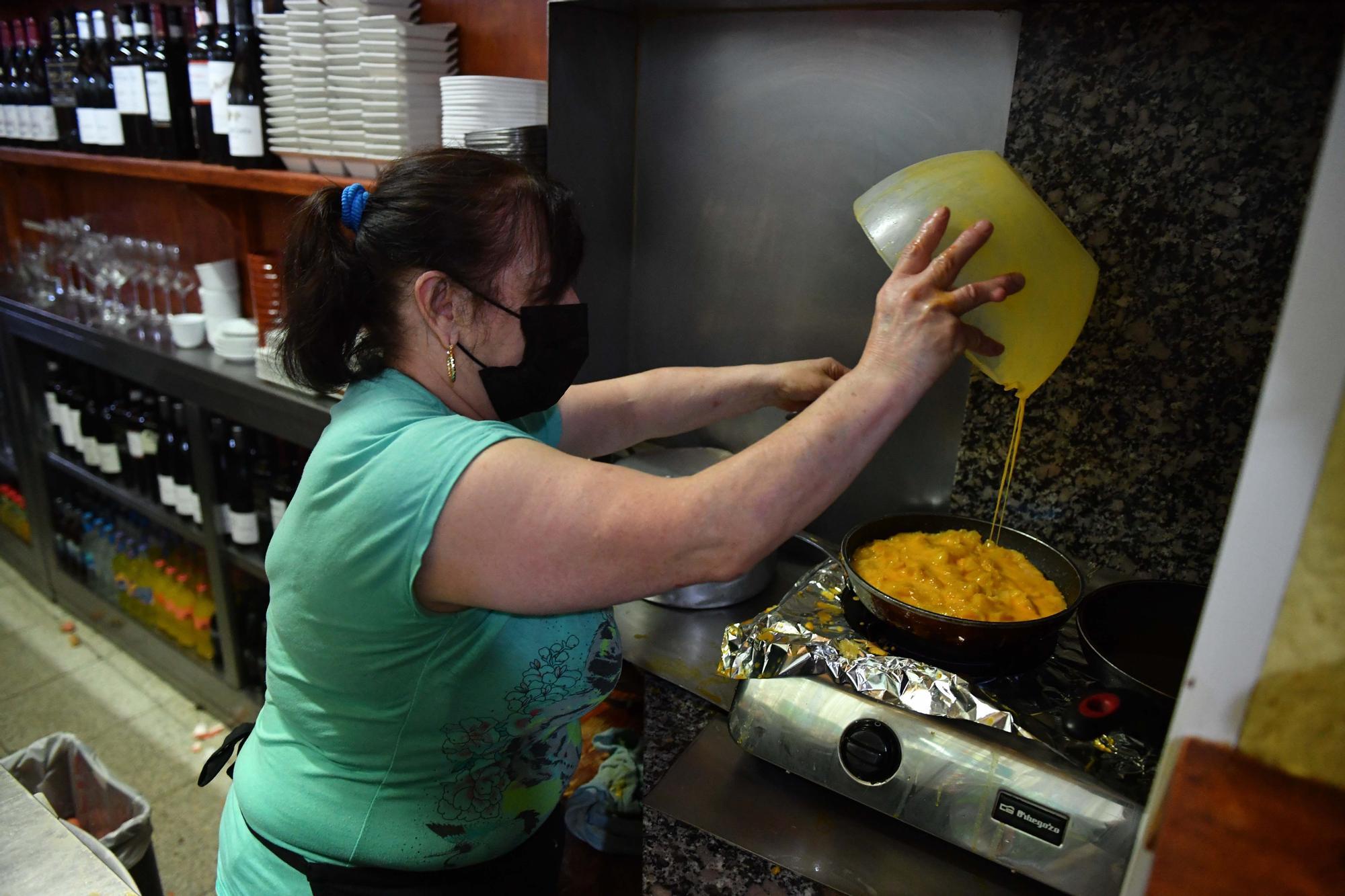 Así se hace la mejor tortilla de Betanzos