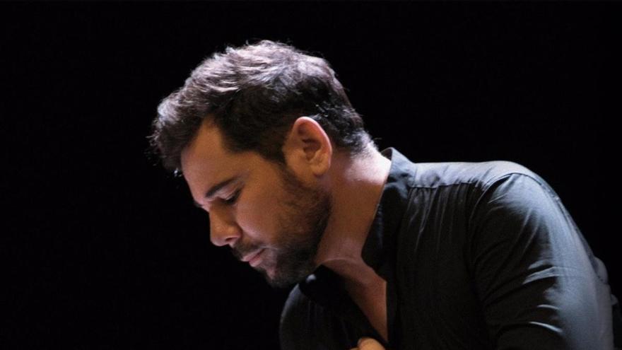 Estepona organiza un concierto solidario de Miguel Poveda