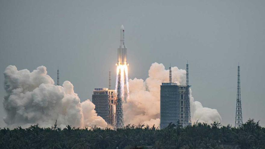La UE no cree que el cohete chino fuera de control caiga sobre Europa