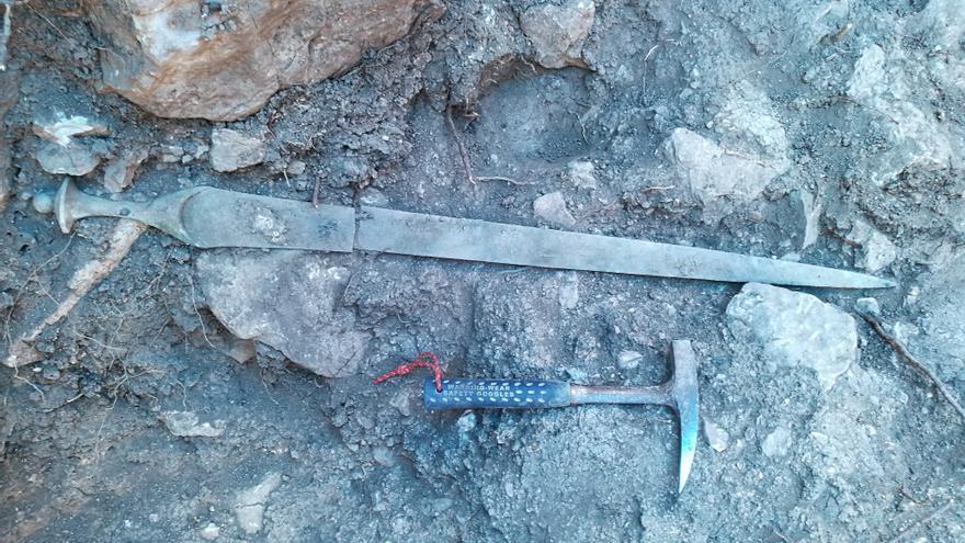 Descubren que la espada prehistórica de Puigpunyent no fue un arma de guerra sino el símbolo de prestigio de un clan
