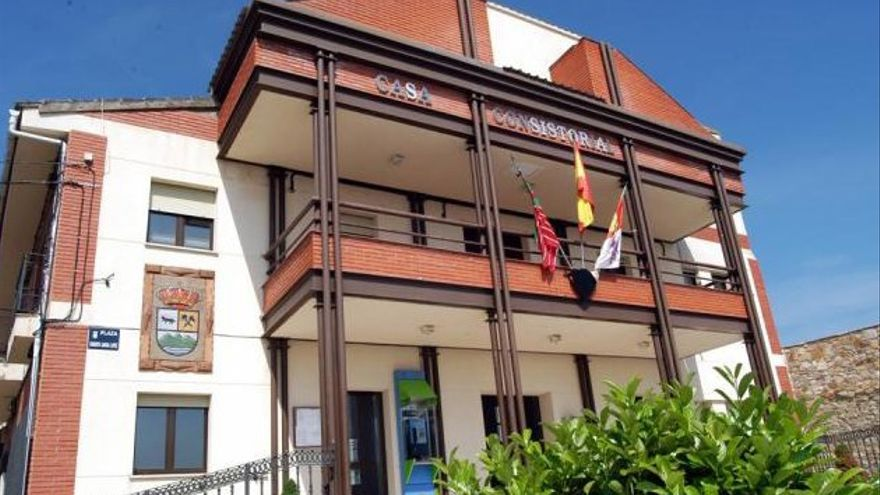"""Antidio Fagúndez: """"Nuestros concejales en Ferreras de Abajo son más que personas de honor"""""""
