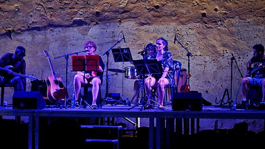 Música i dansa internacional al Festival de Beniarjó
