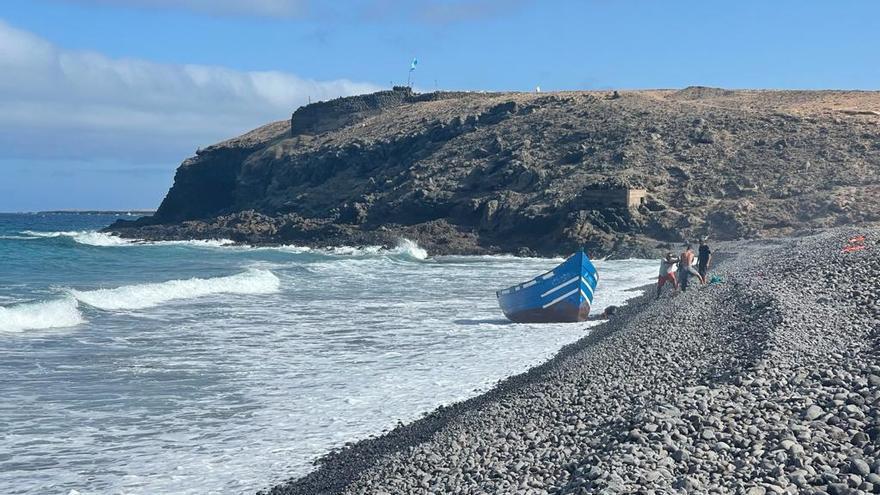 Tres pateras dejan 79 migrantes este sábado en Lanzarote