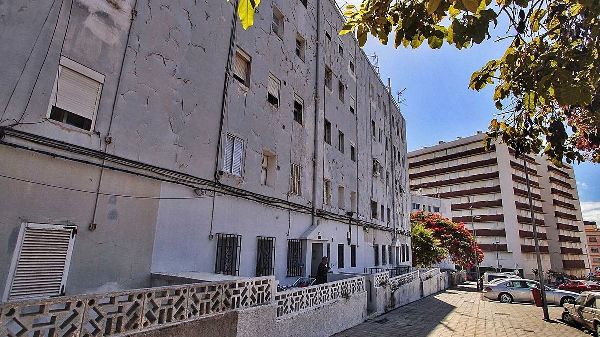 Las 115 antiguas viviendas de La Candelaria, en Santa Cruz de Tenerife.     MARÍA PISACA