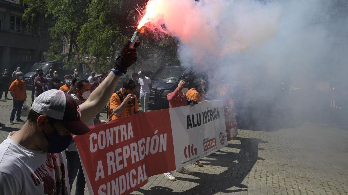 Protesta de trabajadores de Alu Ibérica.