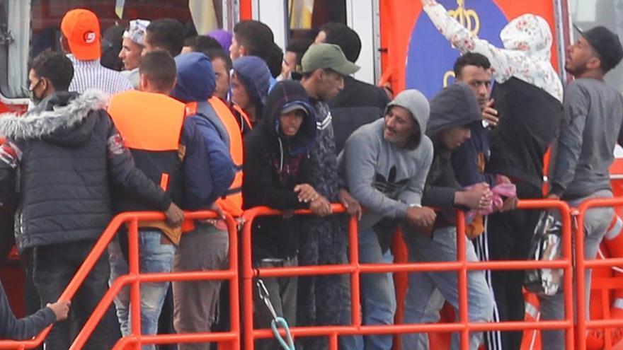 Unos 2.000 inmigrantes llegan a Canarias en el fin de semana
