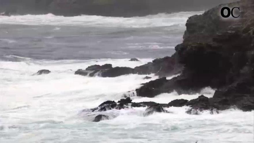 Un marinero desaparece y dos salvan la vida en el segundo siniestro en el mar en tres días en Ons