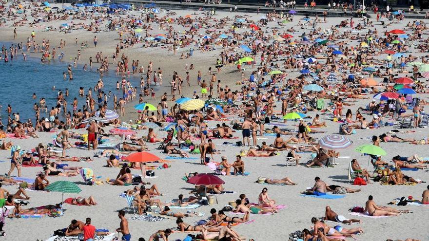 Toda Galicia salvo la costa cantábrica alcanza máximas por encima de los 30 grados