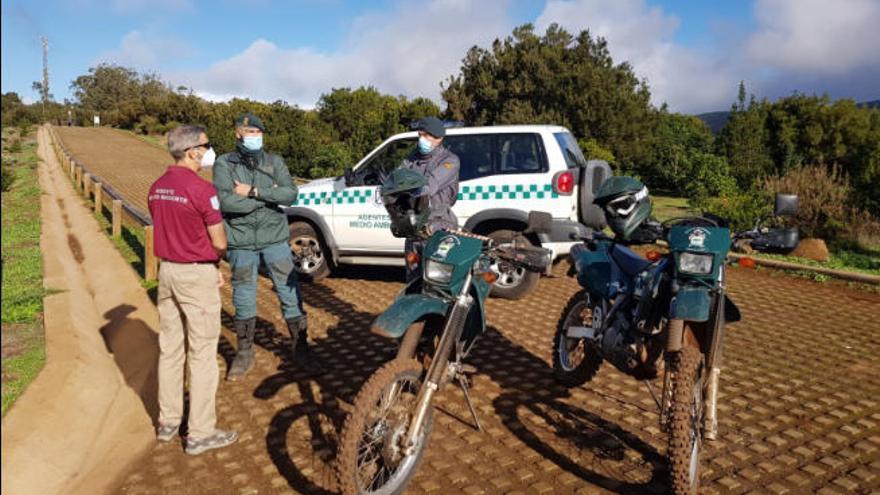 El Cabildo y el Seprona ponen coto a las motos en la Mesa Mota