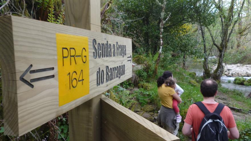 La Xunta publica una guía con información de 122 rutas de senderismo