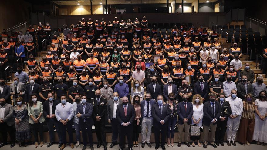 La Diputación homenajea a Protección Civil por incendio de Sierra Bermeja