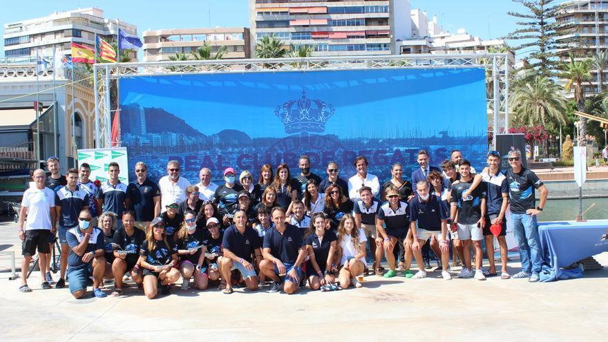 Éxito de la primera travesía a remo Alicante-Tabarca-Alicante