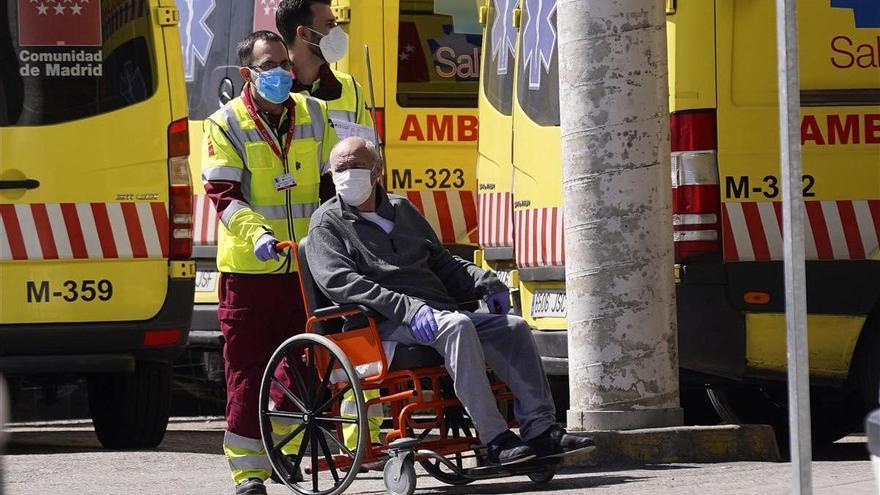 Las ambulancias se desinfectan sin supervisión pública