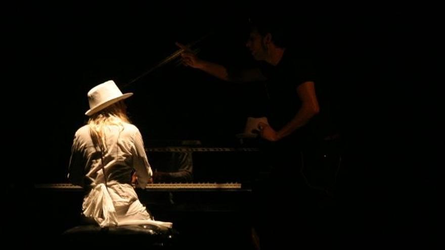 Ibiza y es Vedrà al piano en un álbum musical lleno de 'Hope'