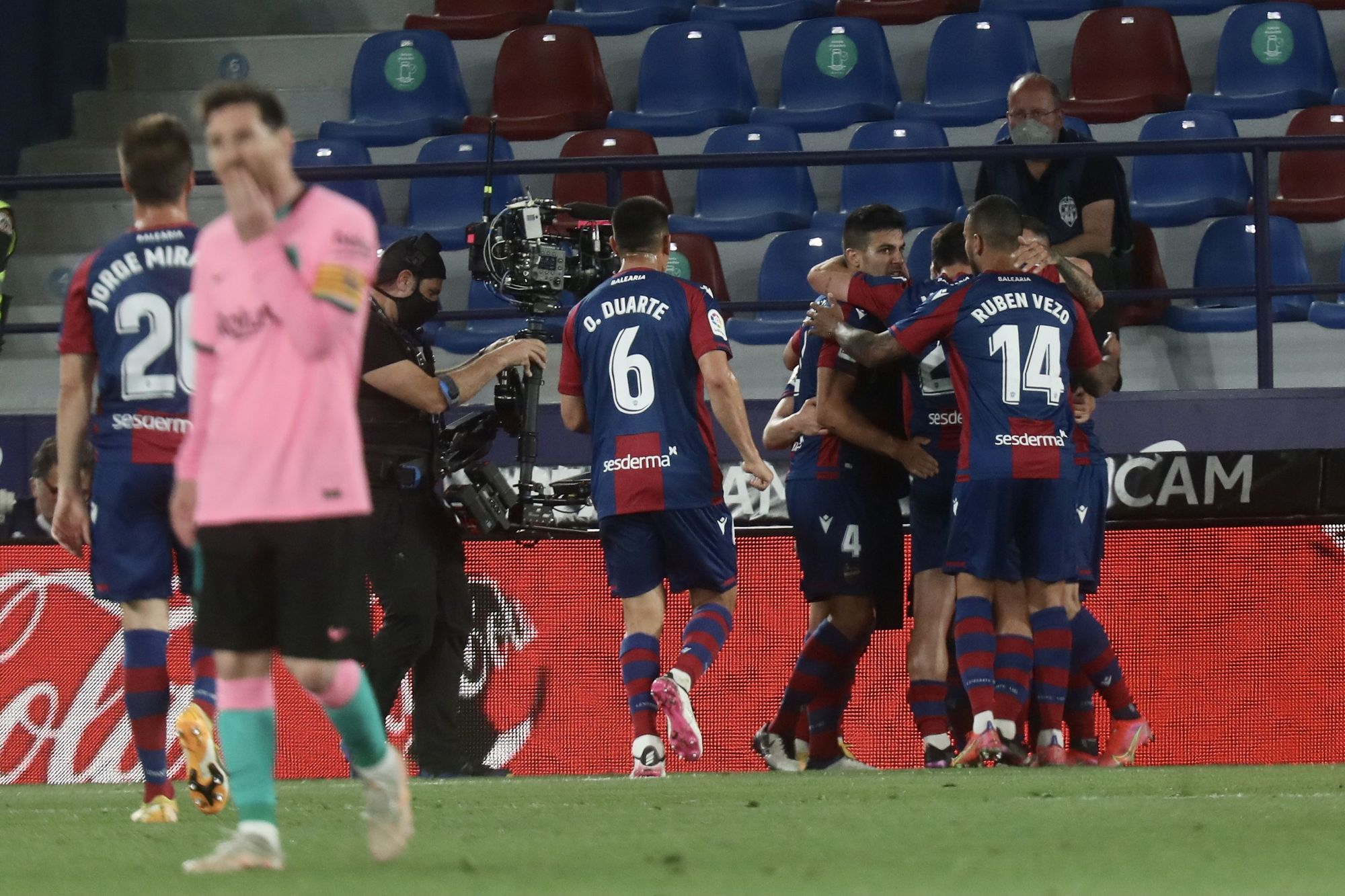 Las imágenes del empate entre el Levante y Barcelona en el Ciutat de València