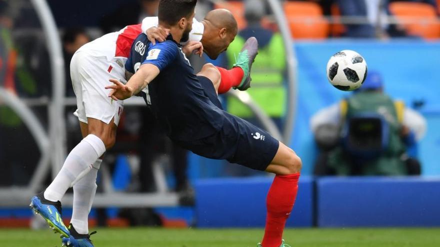 Un gol de Mbappé clasifica a Francia y apea a Perú