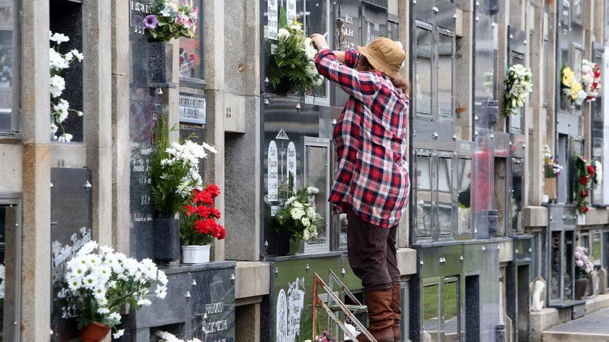 Los cementerios se blindan frente a la Covid durante Todos los Santos