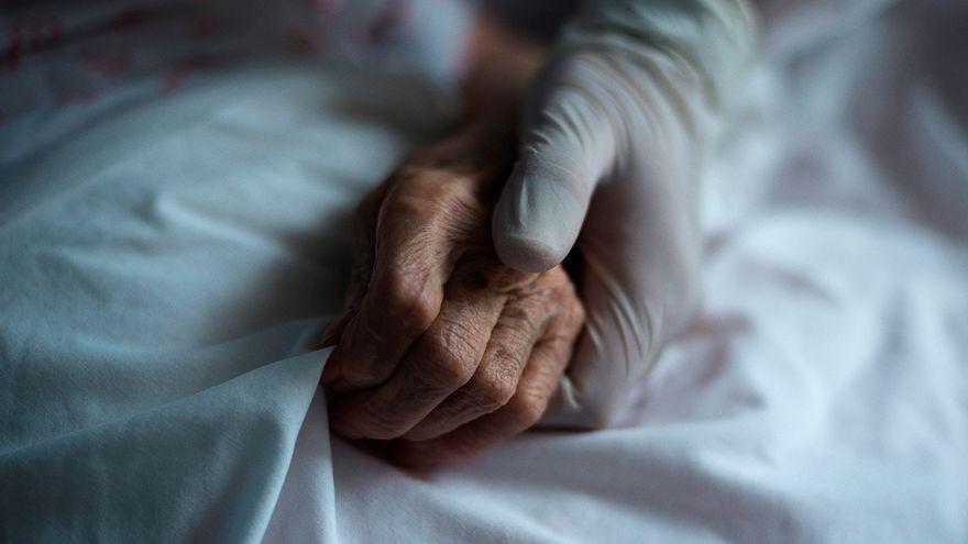 Siguen en aumento los usuarios de residencias contagiados en Galicia, con 50 en un centro de Vimianzo