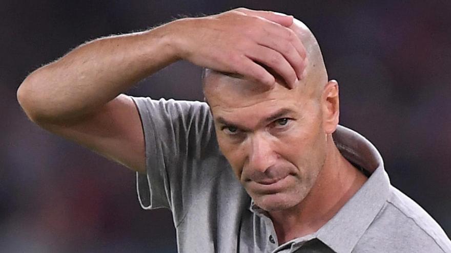 El Reial Madrid comunica que Zidane ha donat positiu per covid-19