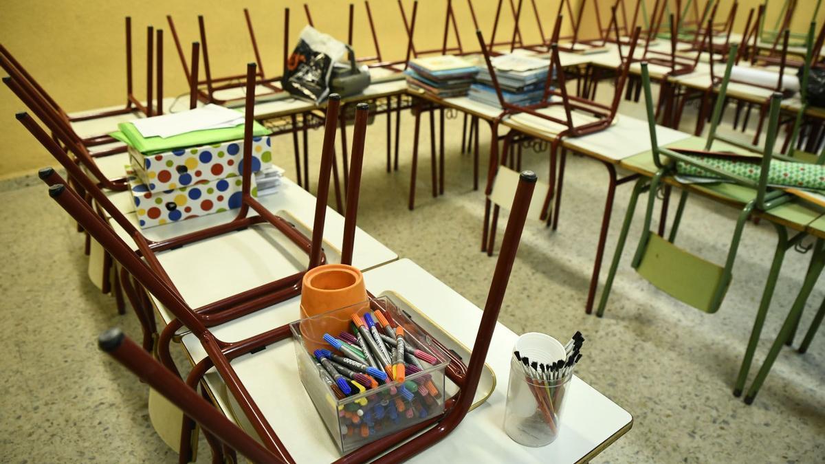 Un aula a la espera de alumnos.