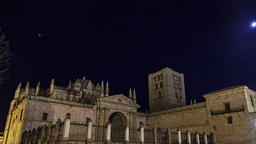 Zamora se suma a la hora del planeta: sin iluminación ornamental este sábado