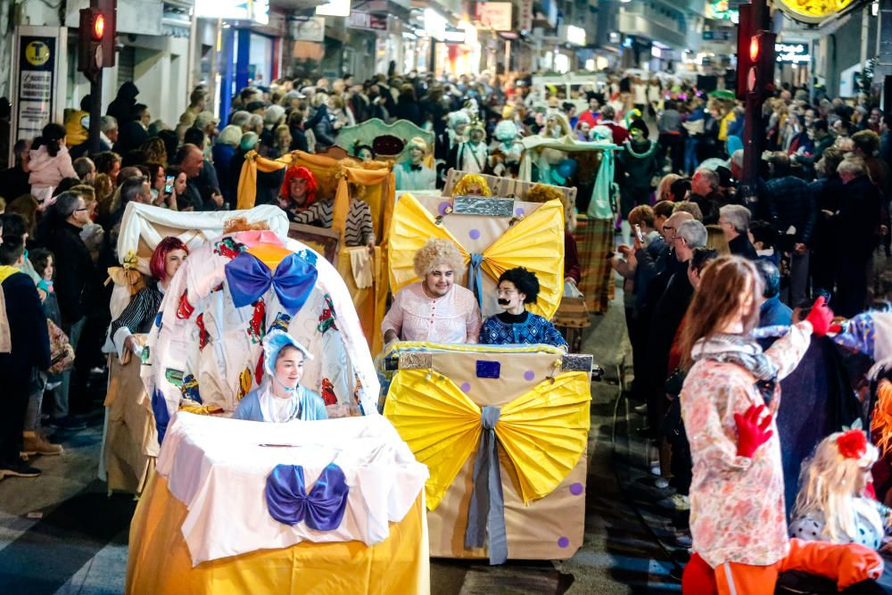 Desfile adulto de los carnavales de Benidorm